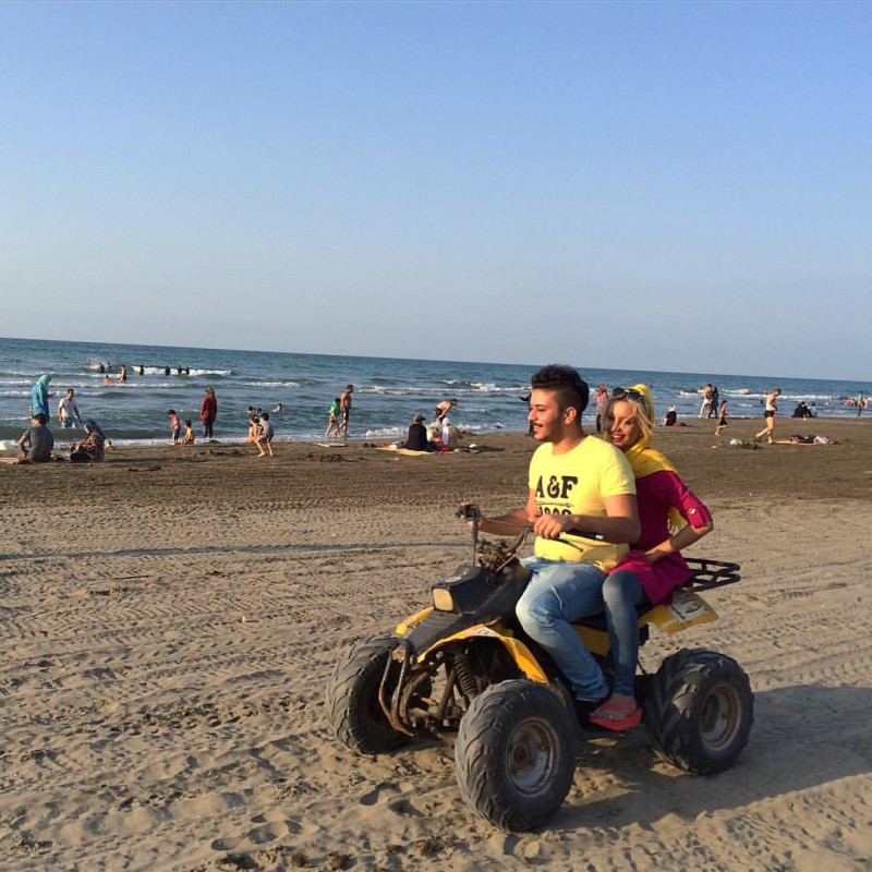 Photo: Iranians having fun at the beach