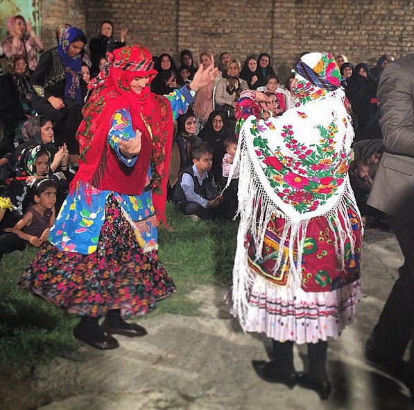 Traditional Persian women dance