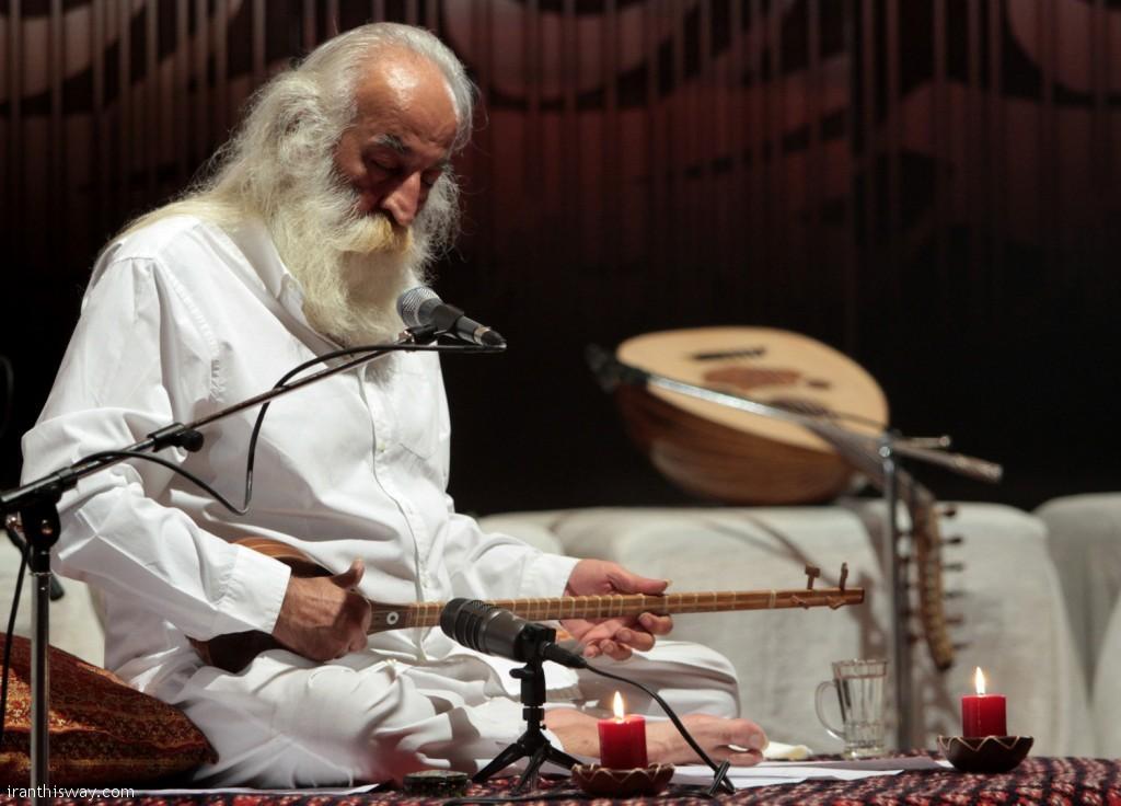 Master Mohammadreza Lotfi played setar.