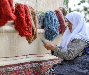 Ghaliboran: Persian carpet traditional ceremony