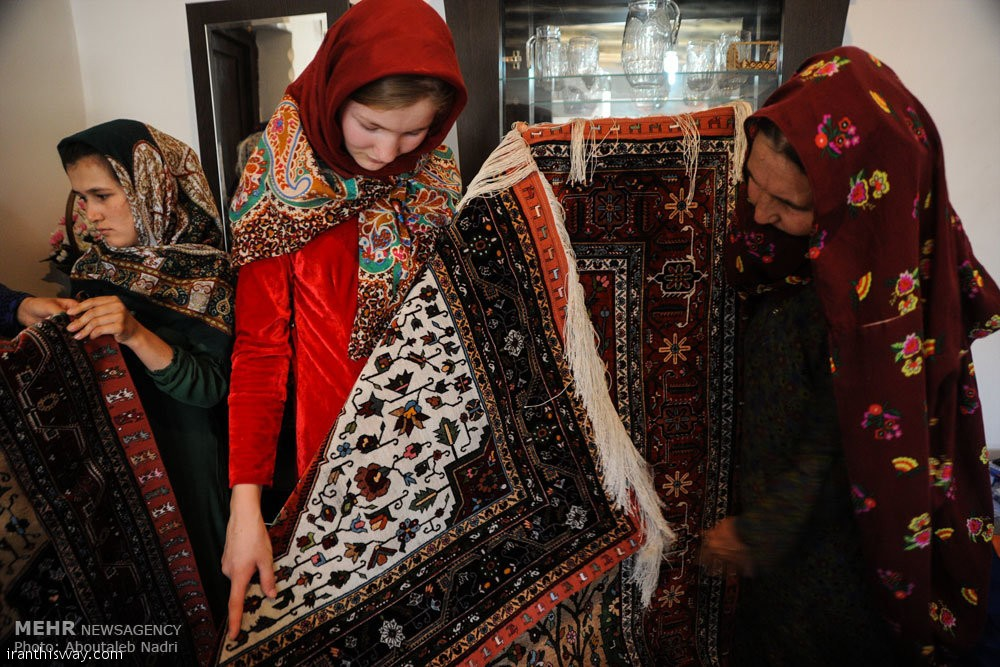 Double-sided silk rugs in Doidukh village