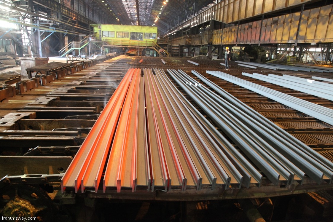Iran's steel exports experienced a growth of 70 percent in the first four months of the current Iranian calendar year (started March 20) compared to the same period last year.