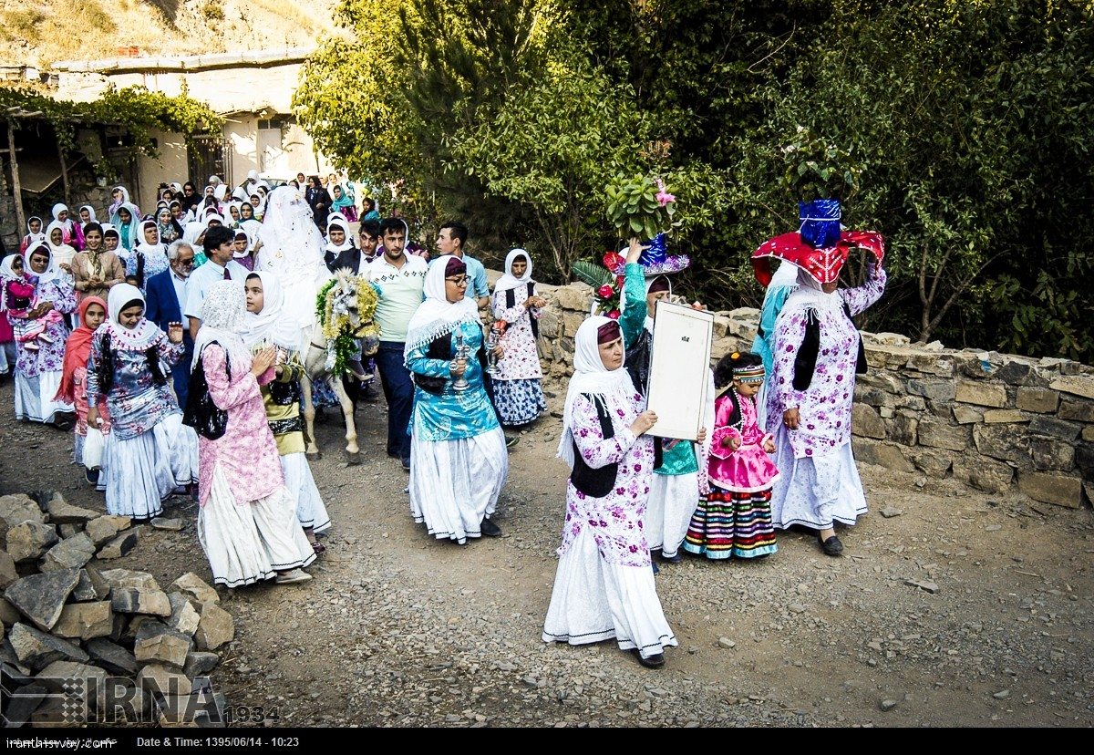 Rudbar-Gilan: The picture shows a traditional wedding ceremony in Amarlou region in Rudbar township, Gilan province. After taking the dowry, the bride's family and relatives bring the bride on horseback to groom's house. Photo: IRNA