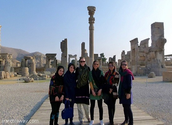 Over 5mln foreign tourists visited Iran in 2015