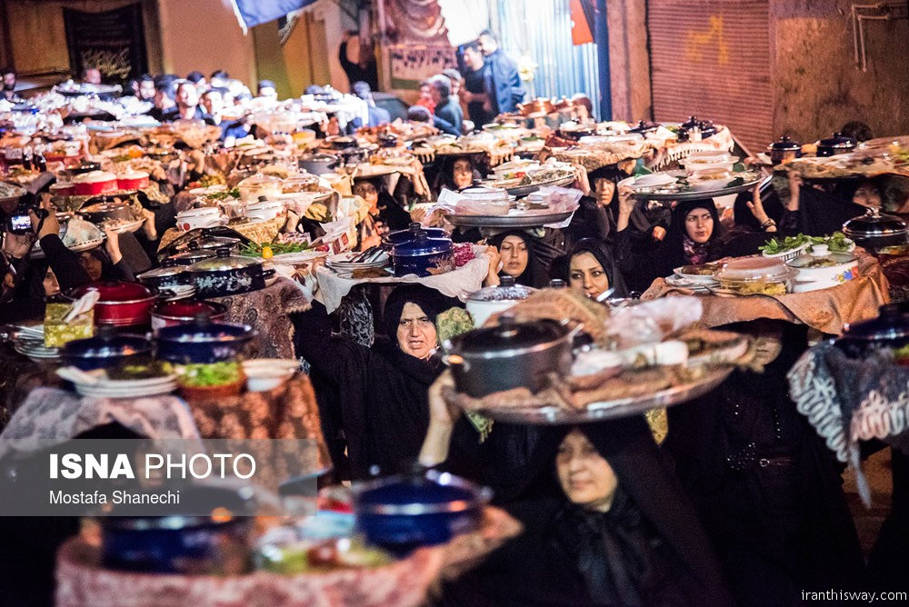 Women food vow tradition for Imam Hussein in Iran/ Photo