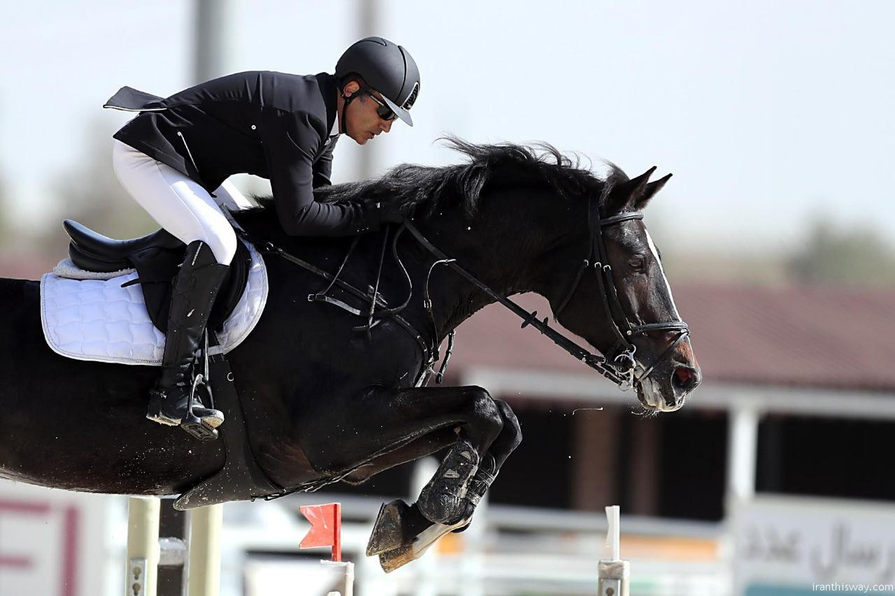 Iran's new horse jumping record – Photo+Video