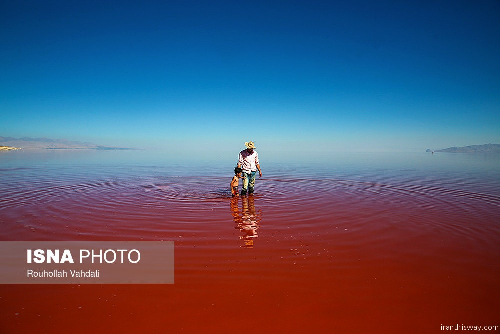 Photo: Lake Urmia become red