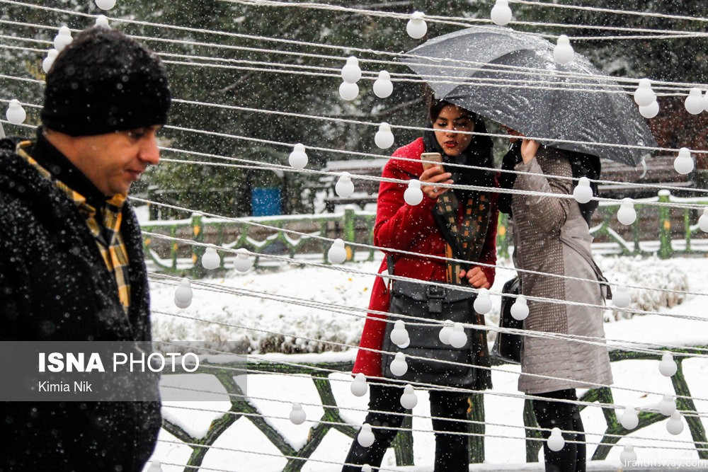 Photo: Snowfall in Tehran