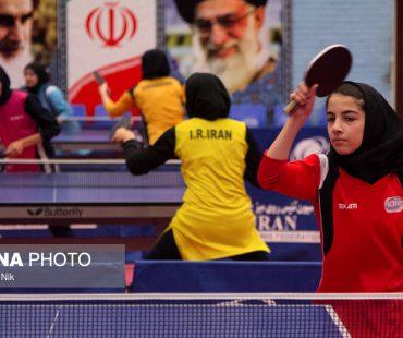 Photo: Iranian girls table tennis training