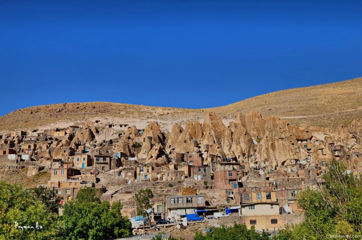 Kandovan: Scenic village filled with troglodyte homes