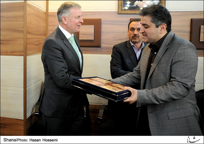 A delegation of Austrian companies visited Deputy Petroleum Minister for International Affairs and Trading in his office in Tehran.