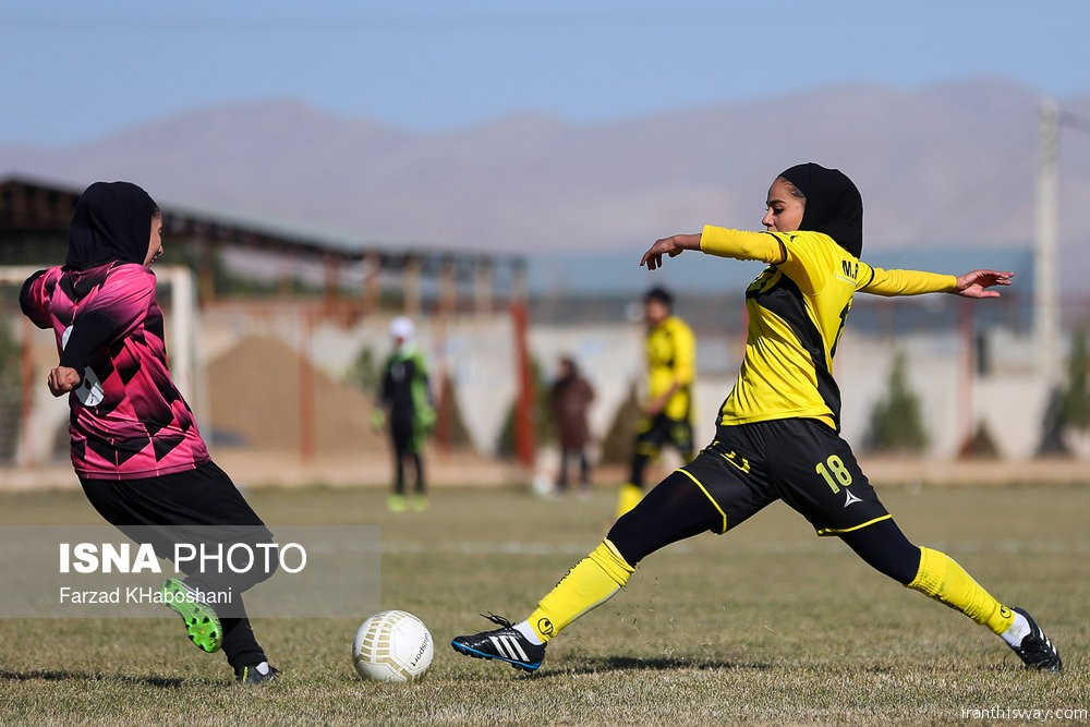 Photo: Iranian women football Pro league