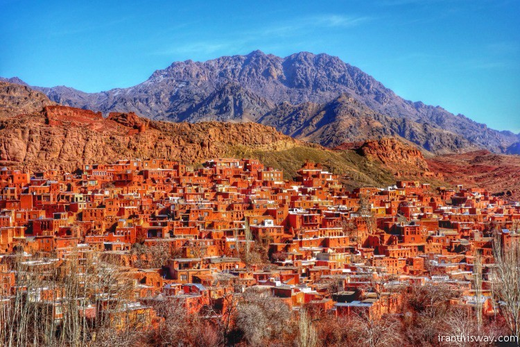 Tourist Review: The red clay village Abyaneh and Kashan