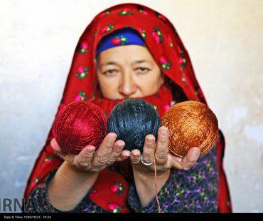 Photo: Turkmen silk carpets village