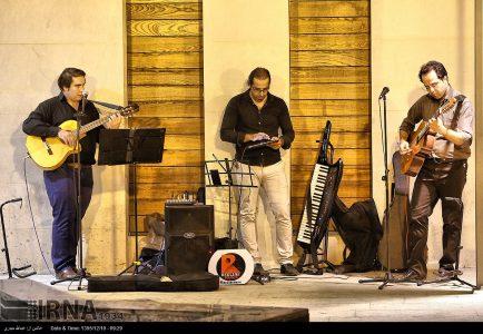 Photo: Tehran street musicians