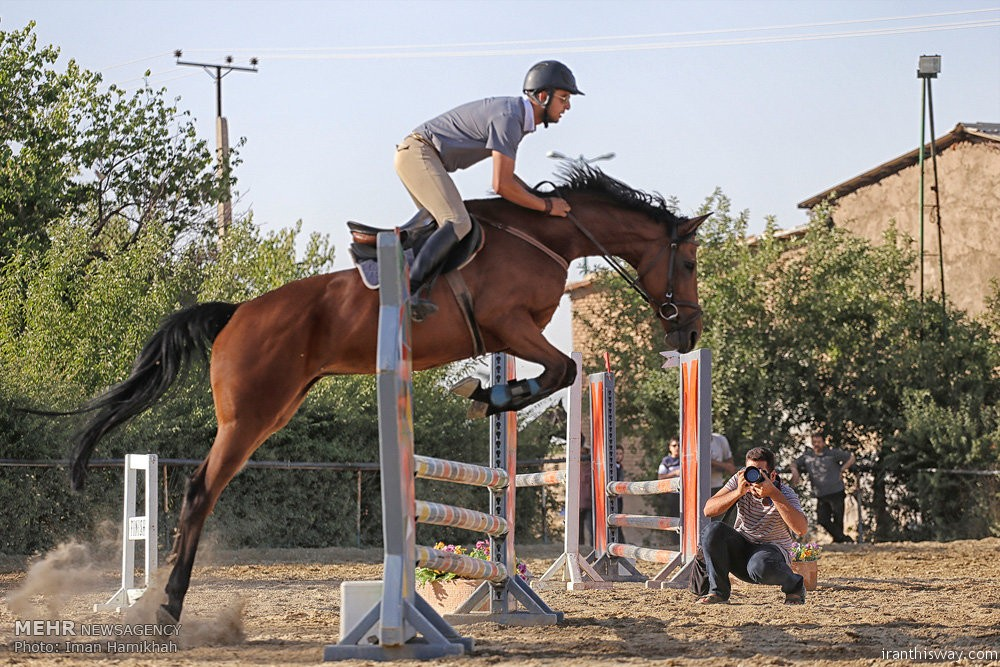 Photo: Show jumping race in Hamedan