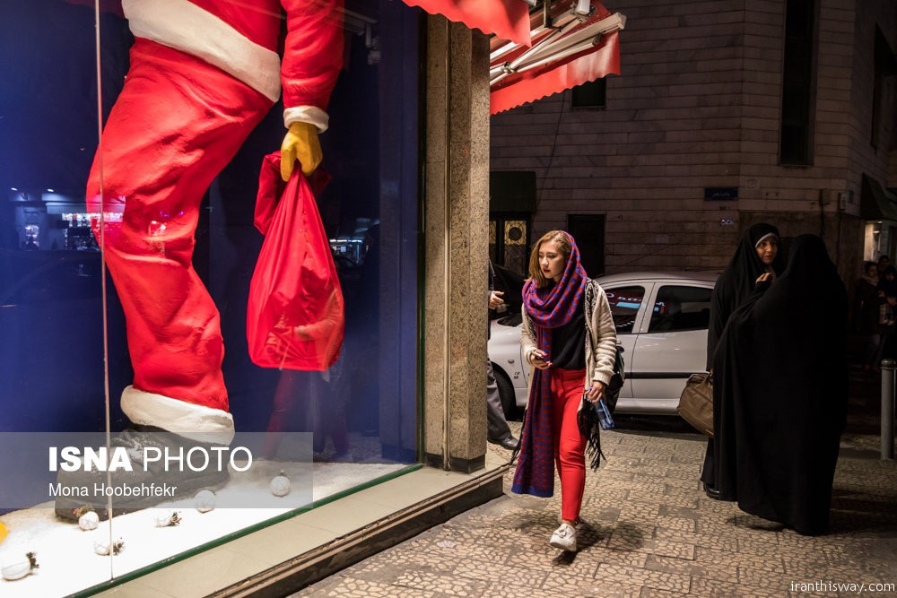 Photo: Christmas 2018 shopping in Tehran
